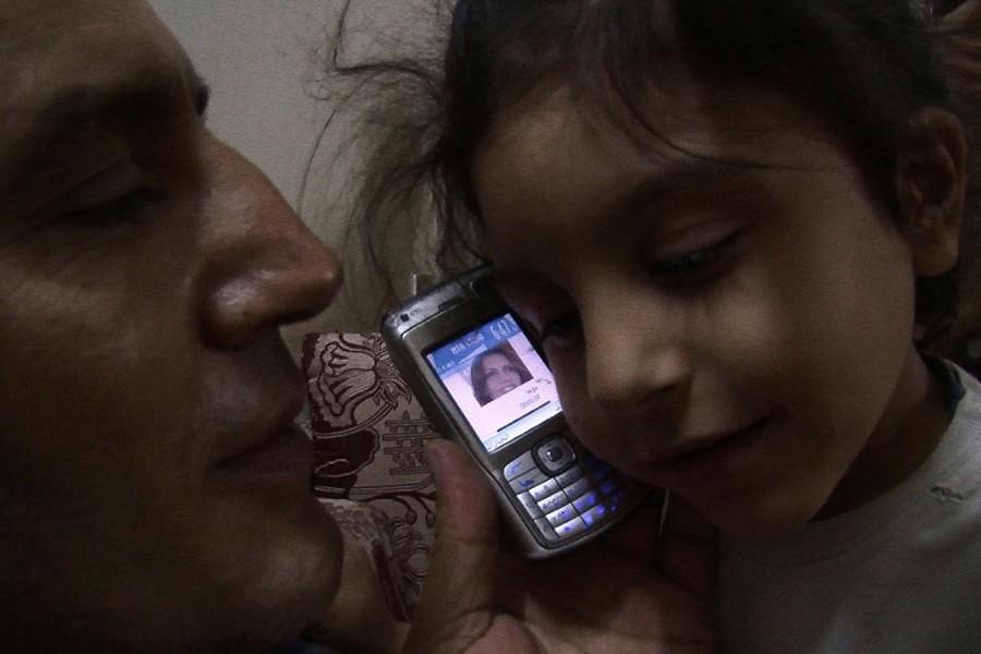 Beeld uit de documentaire A Syrian Love Story, van  Sean McAllister.
