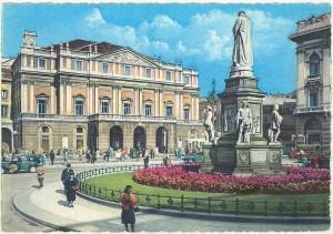 MI-Milano-1964-Teatro-alla-Scala-e-piazza